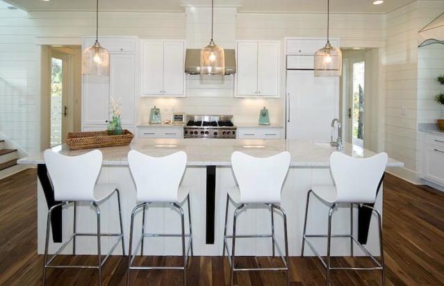 white-modern-cottage-kitchen